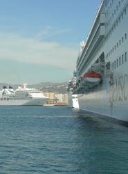 El número de pasajeros de cruceros que ha recalado en los puertos españoles crece por primera vez desde marzo