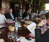 Con la vista puesta en alcanzar los 2,3 millones de turistas en 2013, los hoteleros de Fuerteventura se alían con el Gobierno