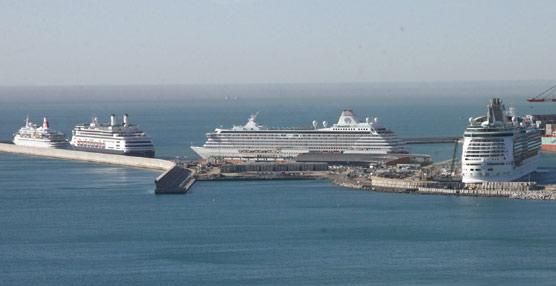 El tráfico de cruceros crece por segundo mes consecutivo después de registrar fuertes descensos entre abril y septiembre