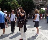 El 90% de los españoles invertirá en viajes o escapadas a lo largo de 2013 a pesar de la crisis económica, según EasyJet