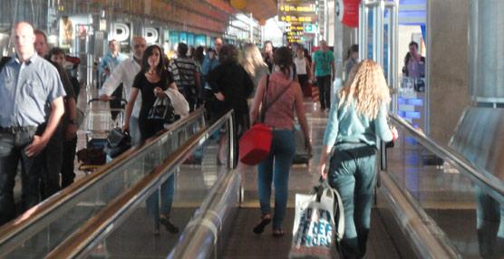 Las aerolíneas pierden más de un 21% de pasajeros en rutas domésticas en noviembre, transportando unos dos millones