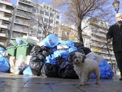 La Asociación de empresarios turísticos de Granada condena la huelga de basuras e insta a un acuerdo para cerrar el conflicto
