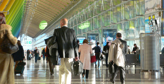 Las compañías aéreas que operan en España pierden más de un 12% de pasajeros en sus rutas domésticas durante 2012