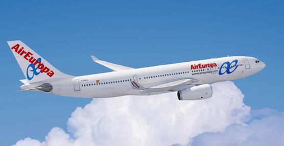 Air Europa rebajará los sueldos a sus pilotos tras lograr la inaplicación de las condiciones previstas en el convenio