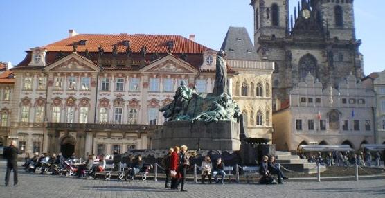 La República Checa recibe más de siete millones de turistas durante 2012, alcanzando así su cifra récord