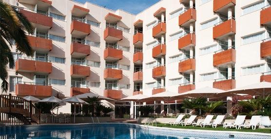 El Hotel Mónica de Cambrils inaugura la nueva temporada con una fachada remodelada y más habitaciones