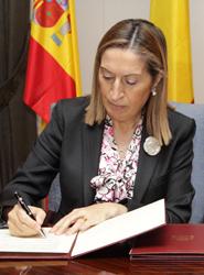 Pastor subraya que España 'necesita al sector aéreo, tan importante para el Turismo y para la creación de riqueza y de empleo'