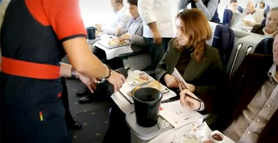 TAP prepara su nueva carta de vinos para la classe 'tap|executive' con una cata tanto en tierra como a bordo