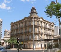 Almería, la ciudad más barata en España para reservas 'last minute' durante el puente del día del Padre