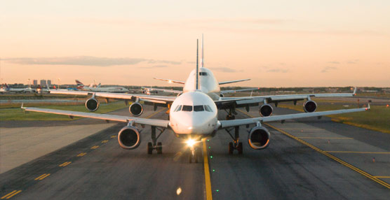 IATA revisa al alza sus previsiones para 2013 y estima unas ganancias de más de 8.200 millones para las compañías aéreas