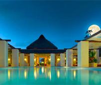La Asociación Española de Directores de Hotel firma un acuerdo con Palladium Hotel Group y Ayre Hoteles