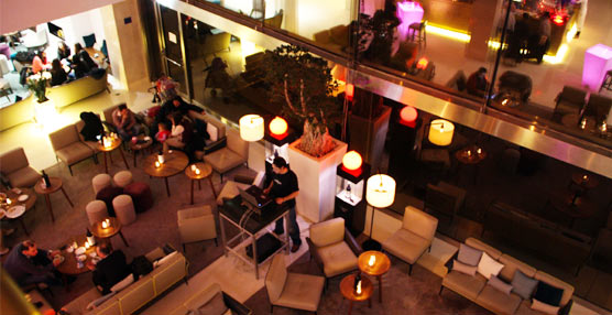 Hilton Barcelona estrena 'afterwork' en The Vibe Bar, que abre sus puertas cada jueves de las 19 a las 23 horas
