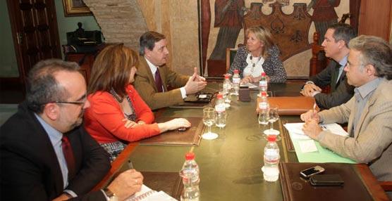El Ayuntamiento de Marbella y Renfe promocionarán el AVE con estancias en la ciudad para impulsar el Turismo congresual
