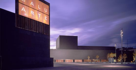Baluarte se suma a la iniciativa 'La hora del Planeta' apagando las luces del exterior del edificio