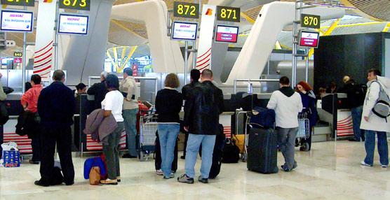 Fomento amplía las subvenciones en los billetes aéreos y marítimos a ciudadanos de países no comunitarios