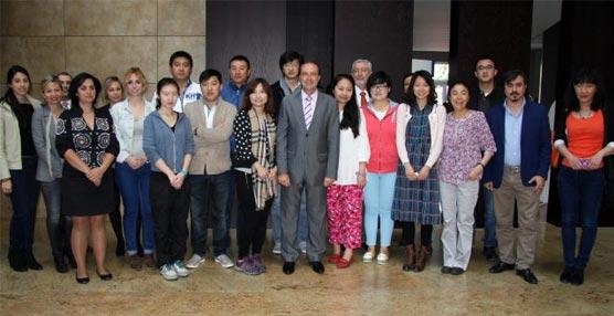 El grupo de agentes de viajes chinos en Granada.