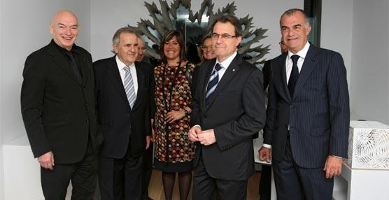 El presidente de la Generalitat de Cataluña inaugura el Renaissance Barcelona Fira Hotel en una concurrida ceremonia