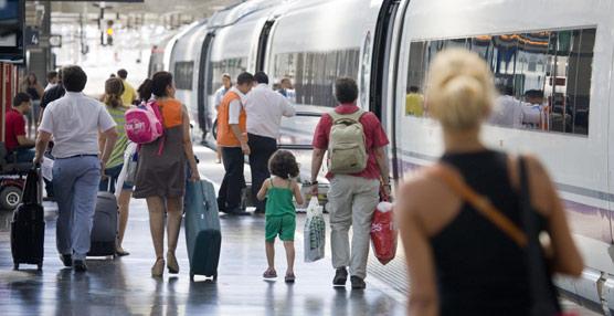 El PSOE exige al Gobierno un plan para activar el Turismo nacional 'porque está en caída libre por su política económica'