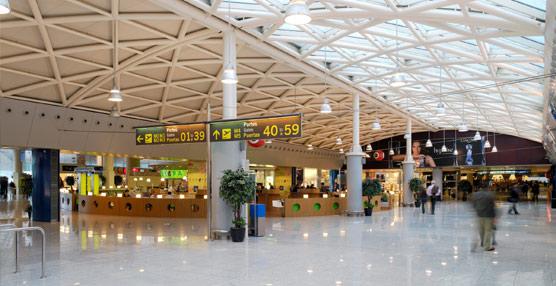 Las compañías aéreas pierden un 16% de pasajeros en sus rutas domésticas en los cuatro primeros meses del año