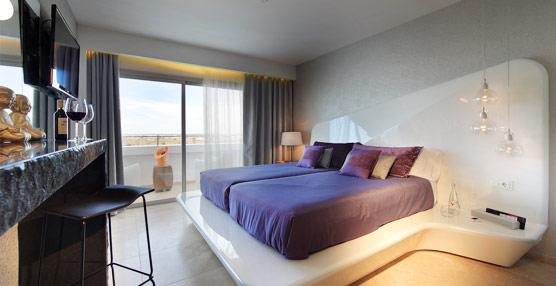 LG viste al hotel The Ushuaïa Tower con la última tecnología en televisores, equipos de audio y señalética
