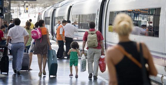 Simancas: 'La ministra de Fomento insiste en llevar el sistema ferroviario un siglo atrás, contra el criterio de todos los expertos'