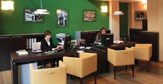 La facturación de las agencias crece en abril por tercer mes consecutivo, pero sigue por debajo de los niveles de 2012