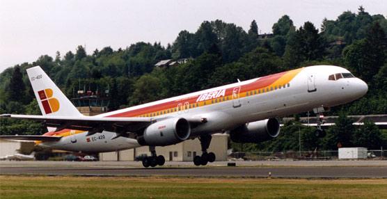 Iberia asegura que es 'totalmente falso' que vaya a dejar de volar entre España y Reino Unido en favor de British