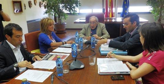 La Fundación Vigo Convention Bureau defiende la importancia del aeropuerto de Peinador para el Sector