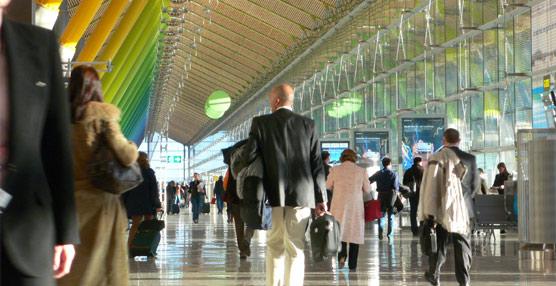 Los aeropuertos españoles pierden cerca de un 6% de pasajeros en el primer semestre, con un 10% menos de vuelos