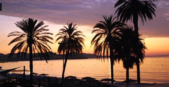 Playa d'en Bossa y Marbella, los destinos de playa más caros según el comparador de precios Trivago