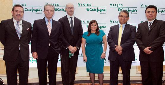 Responsables del Gobierno de Ecuador y directivos de Viajes El Corte Inglés en la inauguración de la sucursal.
