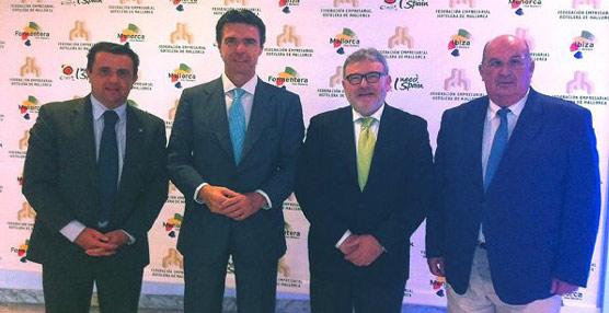 Ashome participa en el encuentro con el ministro José Manuel Soria durante un almuerzo organizado por la federación