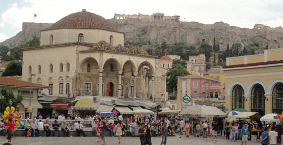 Grecia rebaja en 10 puntos el IVA a la restauración dentro de un plan para la reactivación del Turismo internacional