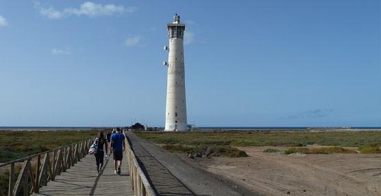 El turismo británico crece un 11,66 por ciento en julio en Fuerteventura, con 4.117 visitantes más que en 2012