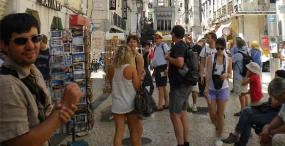 El 82% de los españoles mantendrá o aumentará su presupuesto de viajes en 2014, según una encuesta de TripAdvisor