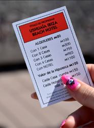"""Ushuaïa Ibiza Beach Hotel """"se vende"""" en la edición especial Ibiza del popular juego de mesa Monopoly"""