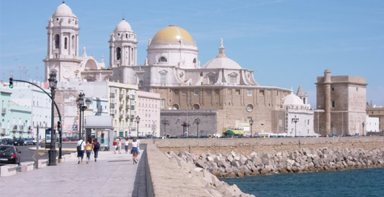 El interés del turista español por los alojamientos vacacionales en destinos nacionales crece un 2% este verano