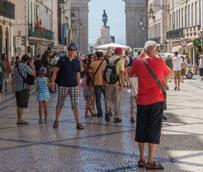 Los pagos de los españoles para viajar al extranjero aumentan un 6% en julio, registrando el tercer incremento consecutivo