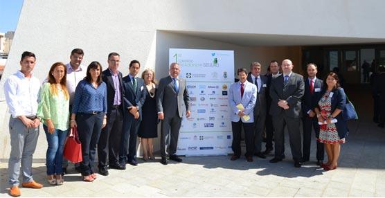 Más de 300 personas asisten en el Palacio de Congresos 'Infanta Doña Elena' al Primer Congreso Solidario del Seguro