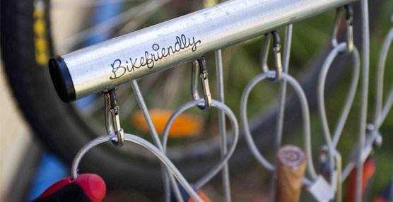 Bikefriendly firma un acuerdo con Laura&Miró para la adhesión de nuevos establecimientos al sello de calidad