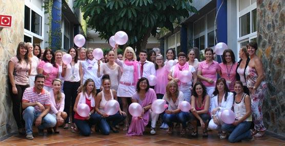 Anfi recauda 2.000 euros con la venta de postres caseros por parte de sus trabajadores para luchar contra el cáncer