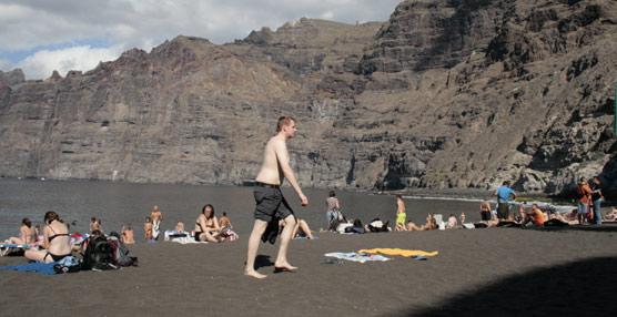 El 40% de los turistas británicos acudirá esta temporada de invierno a destinos calurosos, según una encuesta de ABTA