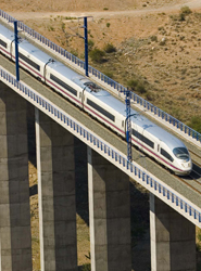 El AVE logra una cuota de mercado superior al 58% en la ruta Madrid-Barcelona en los ocho primeros meses del año