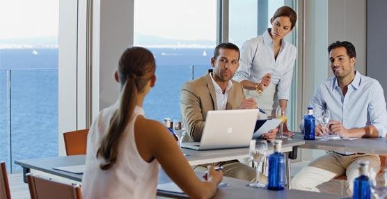 La organización de reuniones buscará reducir costes, usar más la tecnología y elegir sedes no tradicionales