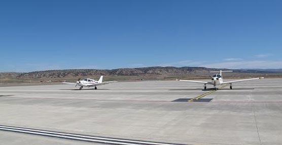 El Aeropuerto de Teruel se presenta como sede de reuniones con un congreso de aeronaves