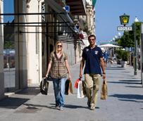 Los turistas gastan más de 47.000 millones de euros en España hasta septiembre, lo que supone un nuevo máximo histórico