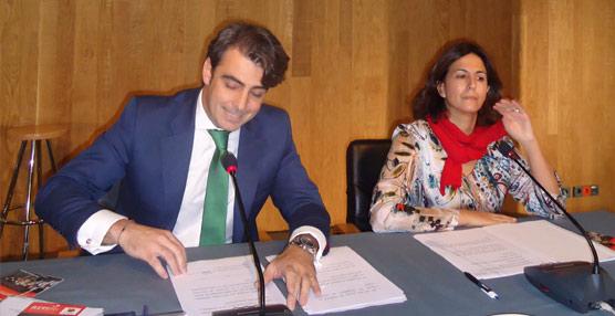 El presidente de la RETI, Diego Calvo, junto a la secretaria de Estado de Turismo, Isabel Borrego.