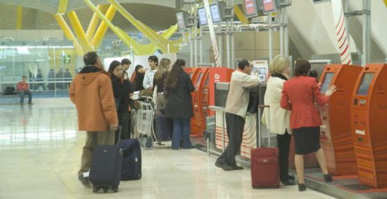 Barajas es el aeropuerto europeo que más pasajeros pierde y el que tiene mayor dependencia del tráfico doméstico