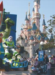 Euro Disney reduce cerca de un 64% sus pérdidas en su ejercicio fiscal, hasta los 78 millones de euros