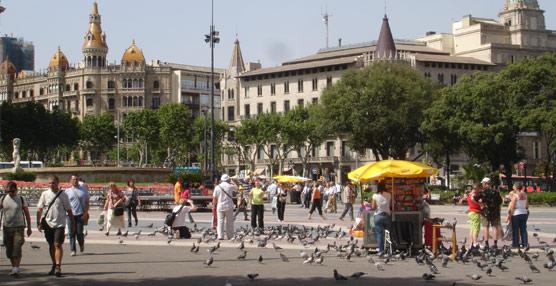 Los viajes de los españoles aumentan en octubre por tercer mes consecutivo, aunque retroceden los desplazamientos al extranjero